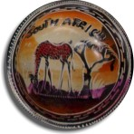 4″ Circular Soapstone Bowl – Grazing Giraffe with South Africa Background